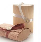 Holzetui mit hellem Band • für eckige Seifen